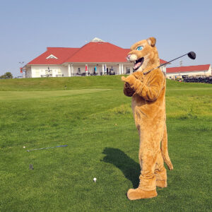 Freddie Cougar's golf swing