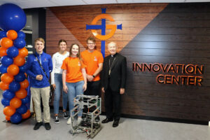 Students in front of Innovation Center